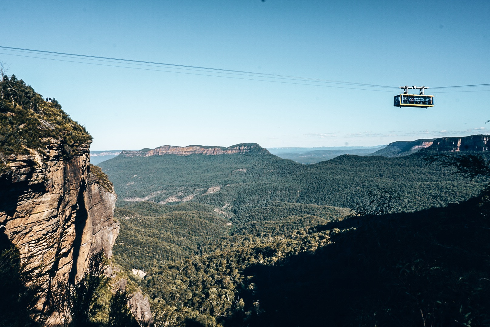 View of Sky Cable going on cable between 2 stops, overlooking Blue Mountains