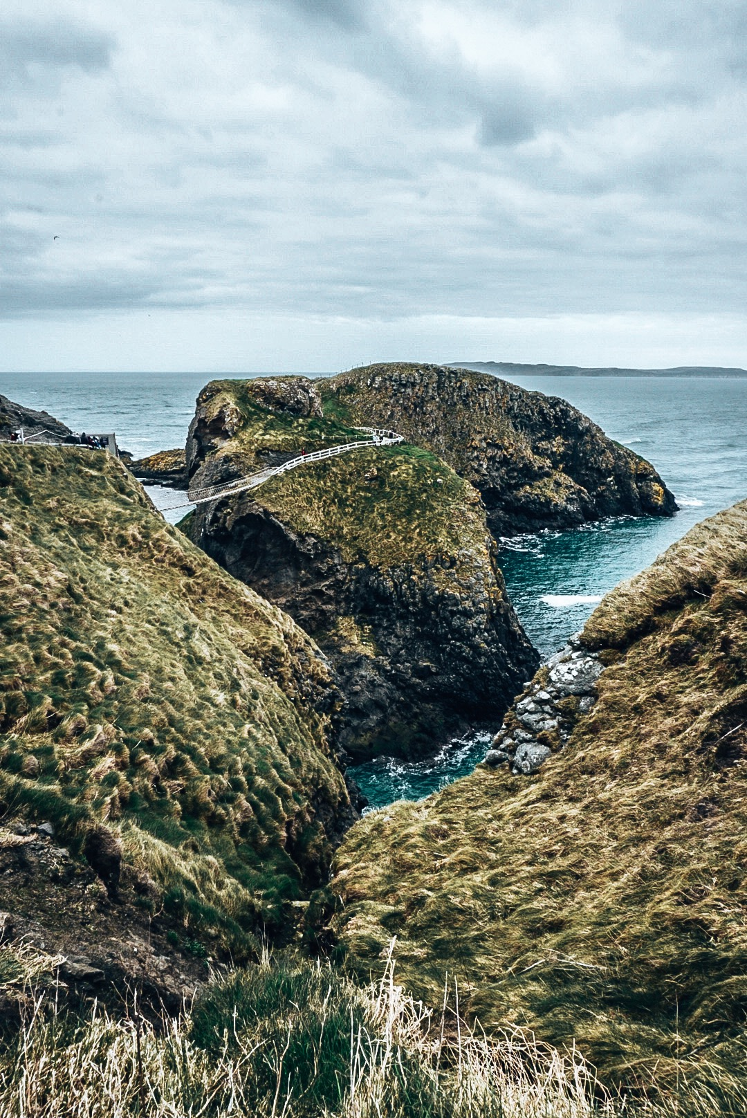 Carrick-a-Rede Bridge from the side
